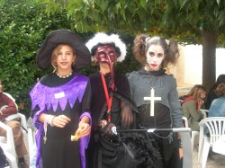 IBS students celebrated Halloween with a costume parade - IBS of Provence - International Bilingual Schol of Provence