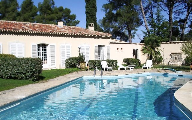 Boarding - IBS of Provence - Swimming pool